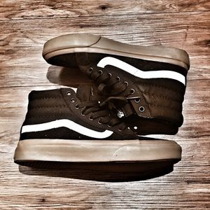 VANS hightop sneakers.